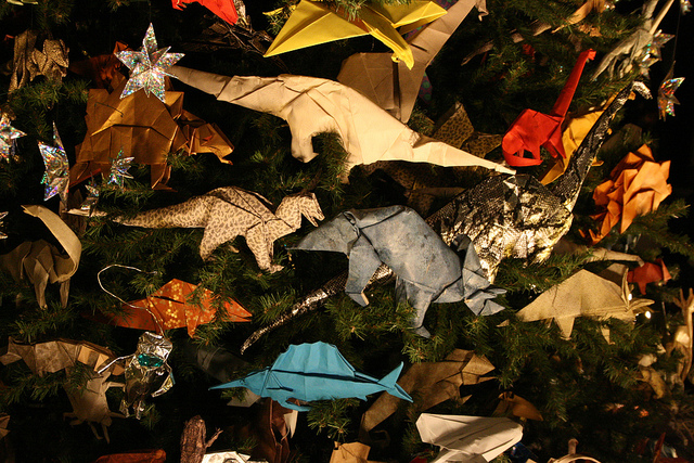 10 easy eco friendly christmas decorations that look awesome - Dinosaur Christmas Decorations